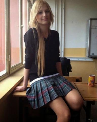 Liseli Kız Külotlu Çorap Porno Resimleri 2017  Porno